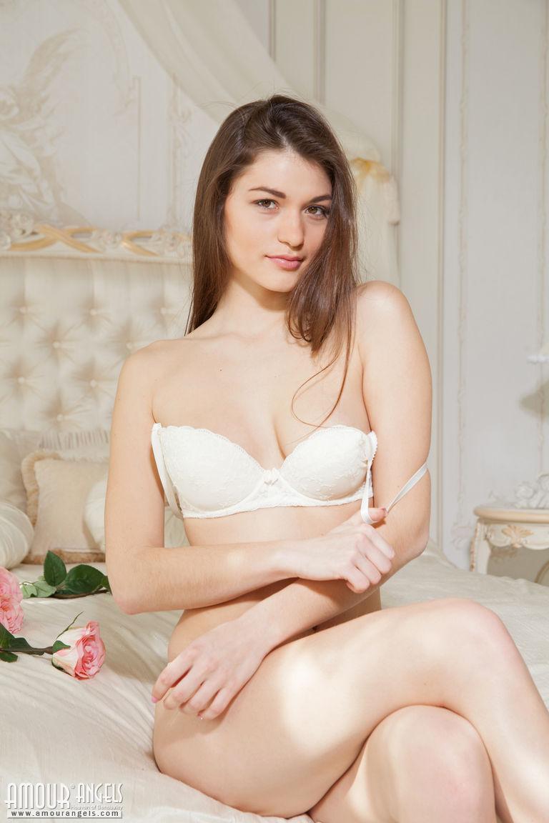 kyla pratt hot nude pictures